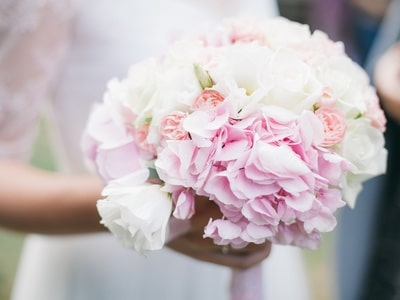 wedding flowers : bridal bouquet with white and light pink rose with white hydrangeas